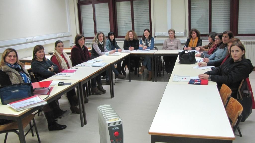 Grupo de formandas com a formadora, Drª Sofia Pires